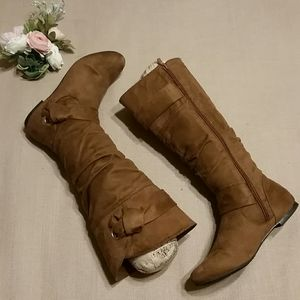 GUC light weight microsuede boots
